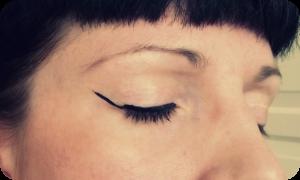 rockabilly eyeliner flick tutorial