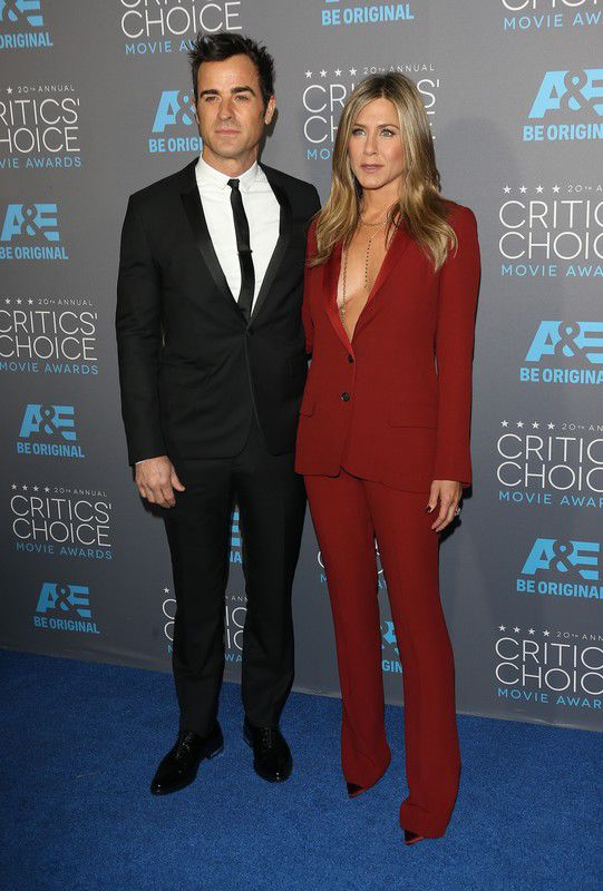 critics-choice-movie-awards-2015-justin-theroux-i-jennifer-aniston-w-garniturze-gucci-fot-east-news
